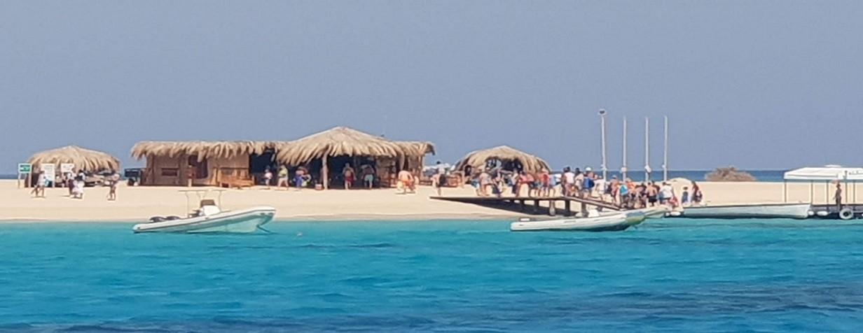 Snorkeling tour to Mahmya Island - Caribbean feeling island