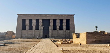 Soma Bay & Safaga: Private 2 Day Tour to Dendera and Luxor