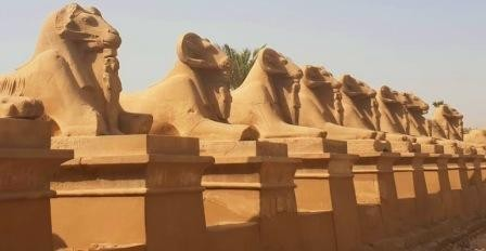 Private day tour from hurghada to luxor the sphinx Allee in karnak temple