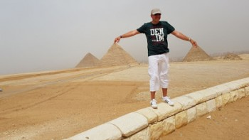 Small group tour: 1 day Cairo & Giza by plane