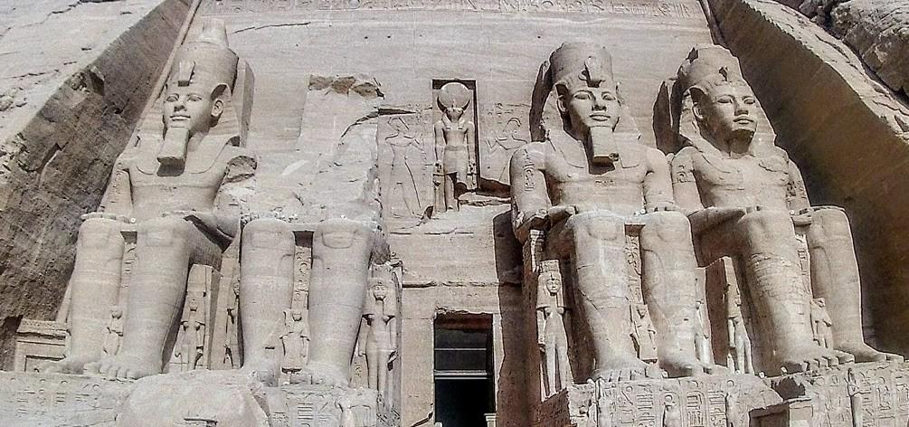2 Tagesausflug nach Abu Simbel von Hurghada der tempel ramses der zweite in abu simbel