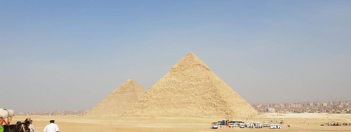 die Pyramiden von Gizeh  taagesausflug von hurghada ausflüge, Von Hurghada zu den Pyramiden Hurghada nach Kairo hurghada Pyramiden  pyramiden hurghada hurghada pyramiden tour preis hurghada zu den pyramiden hurghada pyramiden ausflug