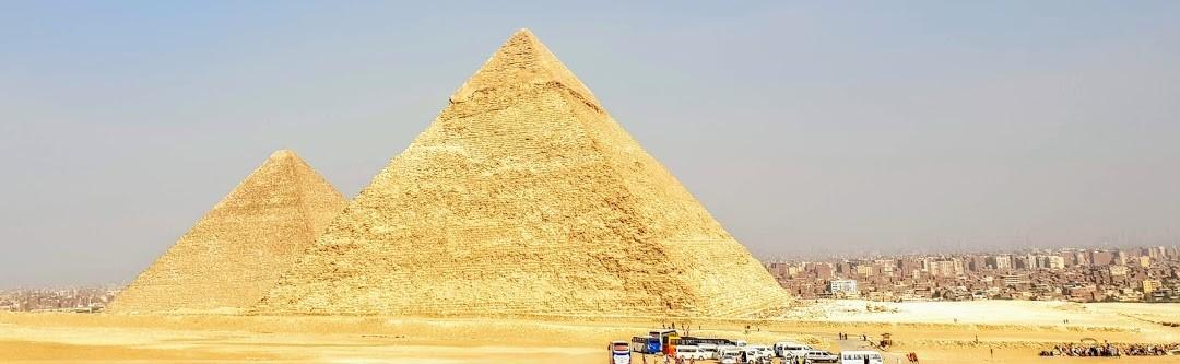 die Pyramiden von chephren und Cheops auf dem Plateau von gizeh tagestour nach kaiiro  von hurghada ausflügeHurghada nach Kairo hurghada Pyramiden  pyramiden hurghada hurghada pyramiden tour preis hurghada zu den pyramiden hurghada pyramiden ausflug