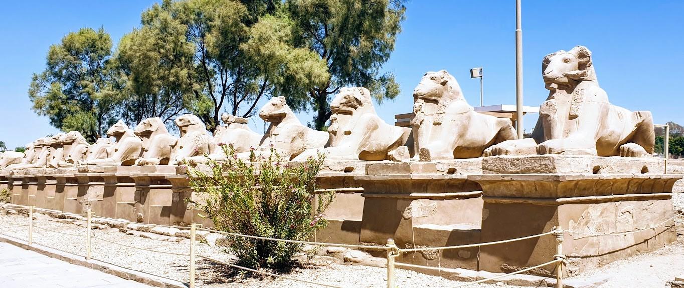 privater ausflug von hurghada nach luxor die Sphinx in Karnak tempel