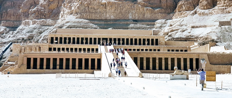 privater ausflug von hurghada nach luxor der tempel von koeniigin hatshipsuit