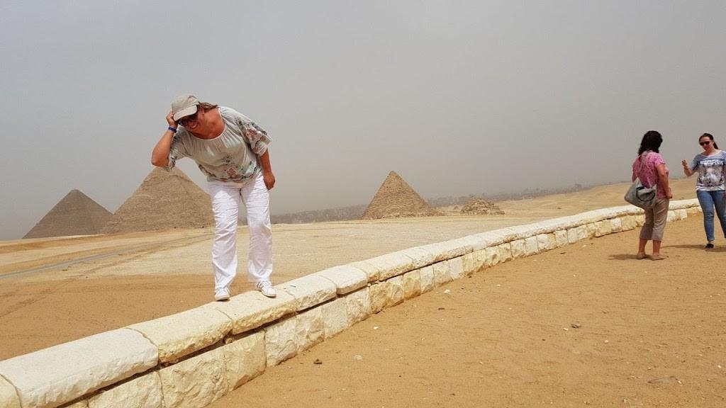 die pyramiden vin gizeh Ausflug nach Kairo & Gizeh von El Gouna mit dem Flugzeug