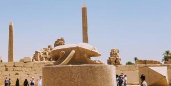 die Kaefer, beim dem Heiligen See in Karank Tempel